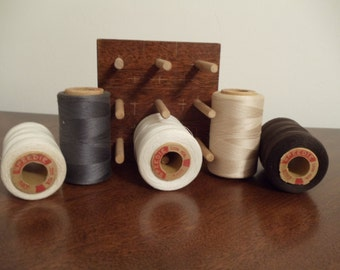 Vintage Spools Of Thread With Holder//  F18