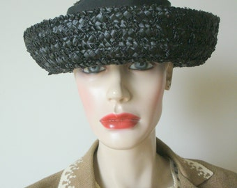 40s 50s Vintage straw raffia Marshall Fields & Co. black woven boater hat w/ wide grosgrain ribbon trim M-L size
