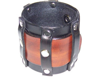 Item 103109 Extra Wide Bold Leather Wrist Cuff