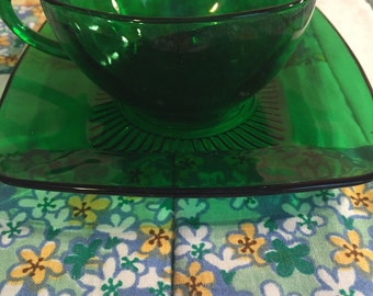 Vintage Emerald Green Glass Tea Cup Set 2 Pieces by Anchor Hocking Made in The USA #2094