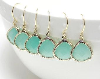 Mint earring. Gold mint glass earrings. Aqua earrings. Tear drop earring. Mint bridesmaid jewelry. Wedding jewelry. Bridesmaid earrings.