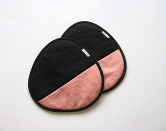 trivets - pink salmon and black pair of potholders - modern home - contemporary kitchen - color block - hostess gift
