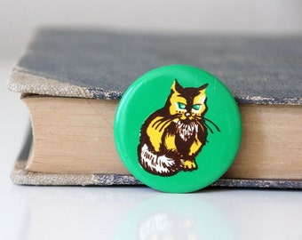 Russian metal pin with adorable green eyed CAT, made in USSR