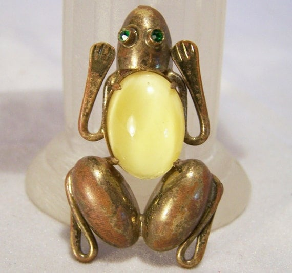 Art Deco Figural Frog Pin Yellow Glass Cabochon Jelly Belly Body Brooch 1014DG