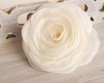 Ivory flower, bridal hair clip, wedding hair accessories, pastel flower, bridal hairpiece