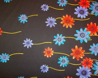 Vibrant Trailing Daisies Bordered Cotton Piqué Fabric, 2 Yards