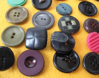 Over 45  Vintage BUTTONS  Various Colors Plastic Medium Sizes Variety