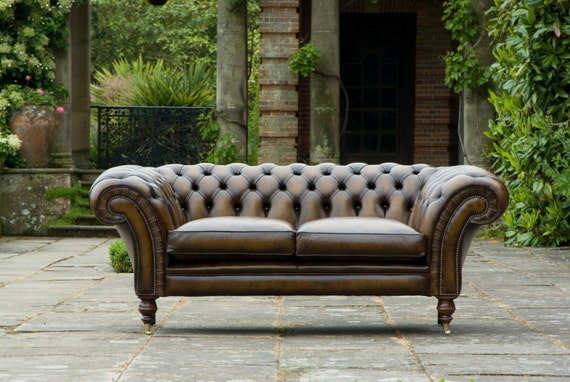 royal chelsea chesterfield sofa 2 seater bida award winner. Black Bedroom Furniture Sets. Home Design Ideas