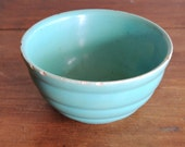 Vintage Turquoise No. 30 Bauer USA Ribbed Bowl Beehive Pattern