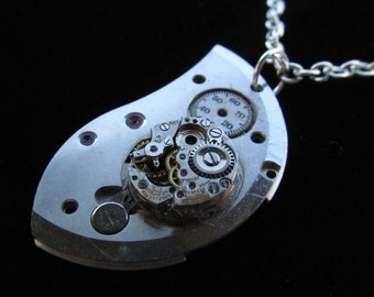 Steampunk  Necklace Pocket Watch Plate and Movement Pendant Z 31