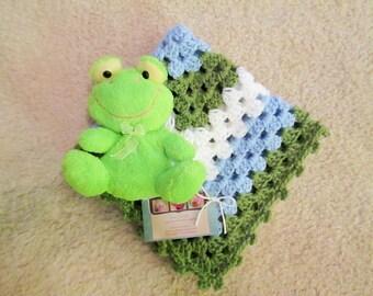 Includes cute plush frog, Mini baby blanket, stroller blanket, travel afghan, 18 inch x 18 inch