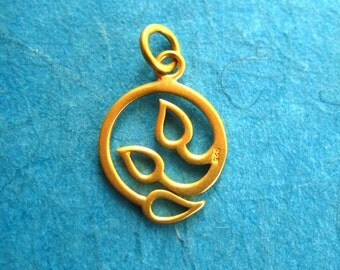 24K Gold Over Sterling Silver Openwork Circular Three Leaf Charm
