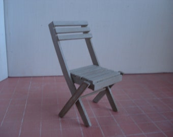 Miniature folding chair