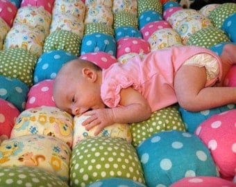 """Made to Order - 40"""" x 40"""" Baby or Playtime Biscuit/Bubble Quilt"""