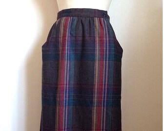 Vintage 1980s plaid WOOL skirt