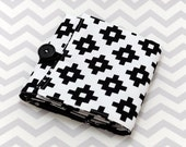 Interchangeable Knitting Needle Roll - Black and White