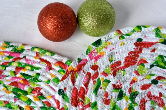 Lovely Christmas Trivets, 3 Handmade Table Mats, 3 Quilted Candle Holders, Potholders, Table Topper, Christmas Holiday Table Runner