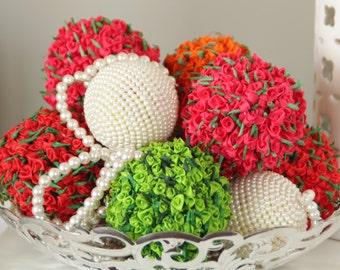 50% off Sale, Elegant Wedding Decor, Stunning Wedding Pomanders, Elegant Red Wedding Pomanders, Kissing balls, Flower Balls, Wedding Decor
