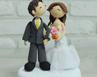 Custom Wedding Cake Topper - Cute couple - decoration gift