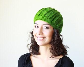 Kelly green women crochet beanie, Winter hat women, crochet hat, ladies beanie, lightweight beanie, green trend hat
