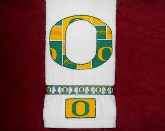 University of Oregon--Oregon Ducks Hand Towel Bathroom, Kitchen, Bar, Grill, Grad Gift