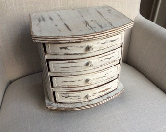 Shabby White Painted Wooden Jewelry Box