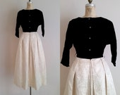 Vintage 1950s Evening Gown / Formal Gown / Black Velvet and Gold / Small / DINNER at the DRAKE dress
