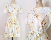 1960s Dress // GOLDEN FLOWERS DRESS // Vintage 60s Rayon Dress // Large/xl