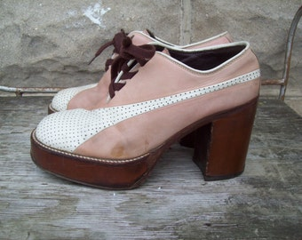 SALE Rare Authentic 70s Wood And leather Platform Shoes By Nunn Bush Womens Size 7 / Euro 37 / 38  UK 5