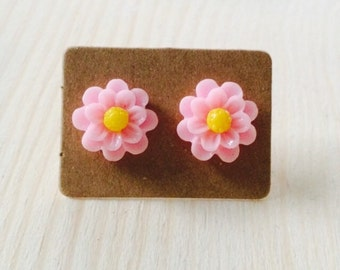Small pink daisy post earrings