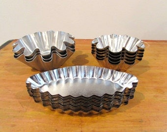 Small Fluted French Baking Tart Tins Antique Pâtisserie Tins