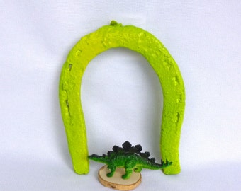 VINTAGE NEON HORSESHOE/ Upcycled Acid Green Chippy Lucky Horseshoe