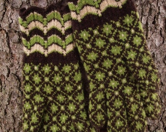 Hand Knitted Fine Estonian Gloves with Powerful 8-Pointed Star ORDERS ONLY