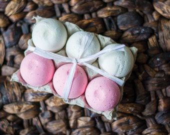 Strawberry and Coconut Bath Bombs 6 Pack