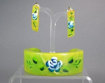 Marbled Bakelite Cuff and Earrings, Matching Set, Marbled Lime Green Bakelite Jewelry, Rockabilly Jewelry, Demi Parure