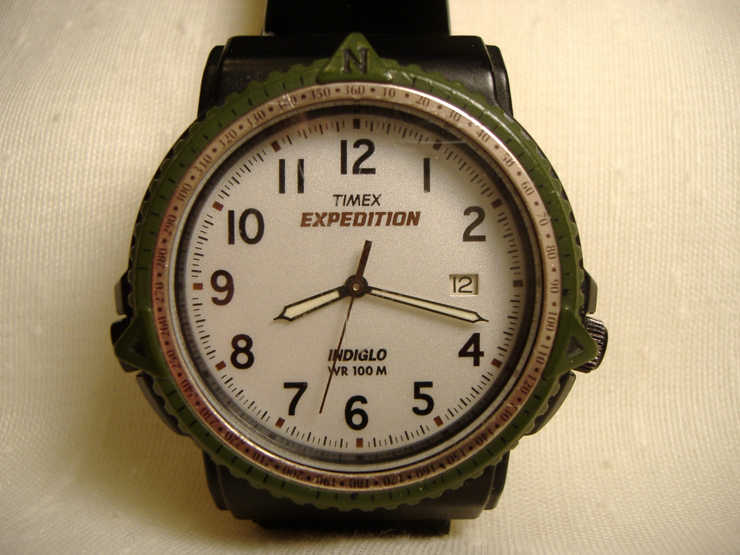 Vintage 1980s timex expedition indiglo calendar quartz watch for Indiglo watches