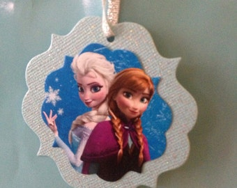 20 Frozen Themed Favor Tags Featuring Anna and Elsa
