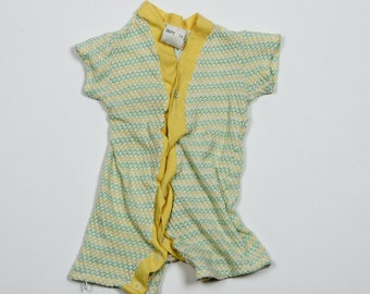 SALE Vintage Green Yellow Onesie | 1960s 70s Knit Baby Sears Clothing Size 1B | Stretch Onesie Jumpsuit Infant Apparel | Girl Boy Unisex 4DD