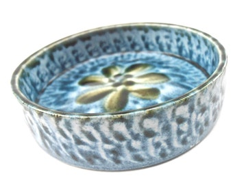 Vintage Blue Green Pottery Dish Tray Portmadoc Wales Round Serving Relish Saucer Porthmadog Cymru Ceramic Small Flower Floral Condiment
