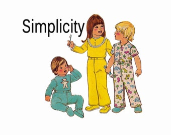 Toddler Pajamas 1970s Sewing Pattern Footie pajamas Size 1 Toddler Breast 20 Unisex Sleepwear for babies UNCUT w/ transfer Simplicity 7067