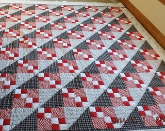 "CLEARANCE SALE--Vintage Heart Theme Quilt, Red, Black, White, 85"" x 95"","