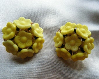 Yellow Lucite Floral Clip Earrings  // Vintage  Jewelry signed HOBE