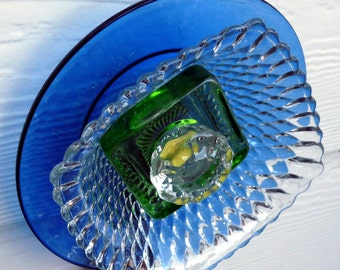 Glass garden flower, sun catcher, garden art, yard art, sun catcher, plant stake, glass sculpture, plate flower, blue, green, yellow