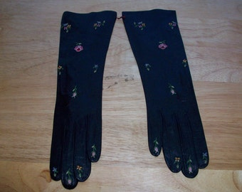 Vintage black leather gloves with embroidered flowers made in France