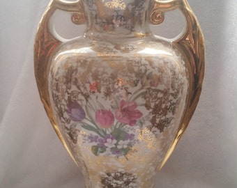 Vintage Gold Floral Table Lamp