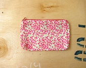 Pink green leaf pouch