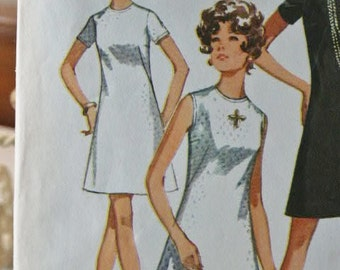 Vintage 1970 Simplicity Jiffy A Line Classic Black Dress 8682 Sewing Pattern 12 Bust 34