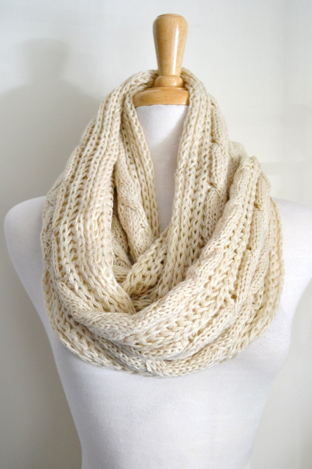 Cable Knit Infinity Scarf Pattern : Oatmeal Creme Beige Cable Knit Infinity Loop Scarf Snood