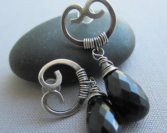 SALE 20% OFF/ Silver Stud / Black Spinel Stud Earrings/ Artisan Earrings/ Silver Wire Earring/ Hammered Stud Earrings w. Black Spinel/ Black