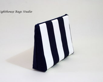 Large Wristlet Pouch w/ zipper - Blue Striped